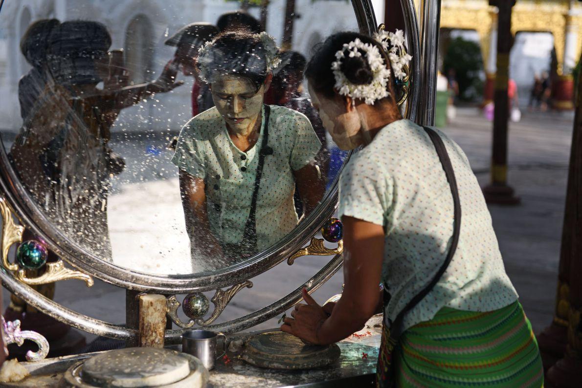 Étape 6 : la Birmanie. Dans les rues de Bagan  ou de Mandalay, nombreuses sont ...