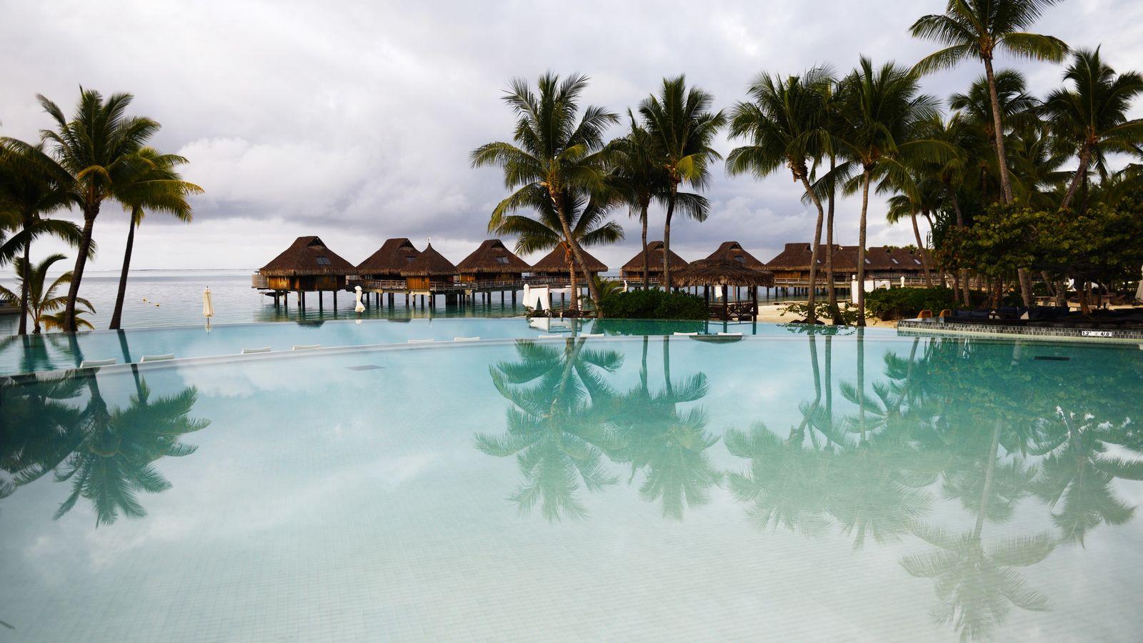 D'une surface d'à peine 38 kilomètres carrés, l'île de Bora Bora, située à l'extrémité nord-ouest de ...