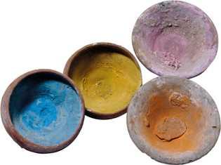 Des traces de pigments subsistent dans ces bols du premier siècle de notre ère mis au ...