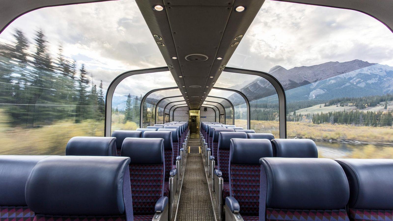 Embarquez à bord du train Le Canadien, au sein duquel les passagers admirent pendant trois jours ...
