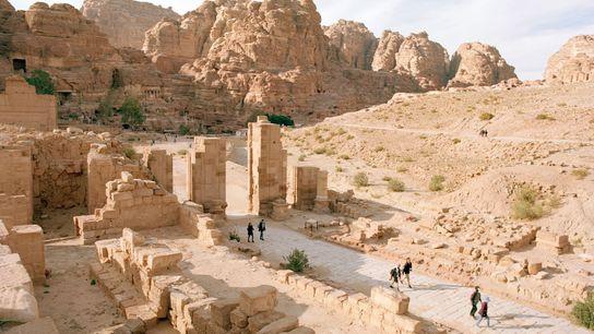 Ex-capitale du royaume nabatéen, Pétra regorge de sites historiques à visiter comme les ruines de la ...