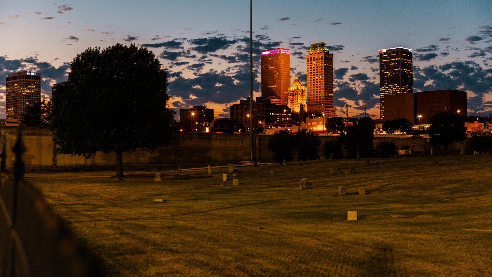 Une fosse commune a été mise au jour la semaine dernière dans le cimetière d'Oaklawn à ...