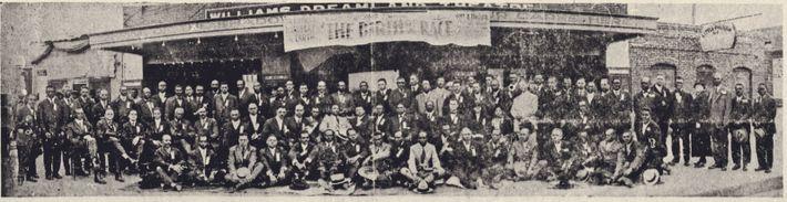 Avant le massacre, la communauté noire de Tulsa comptait de nombreux entrepreneurs et membres de professions ...