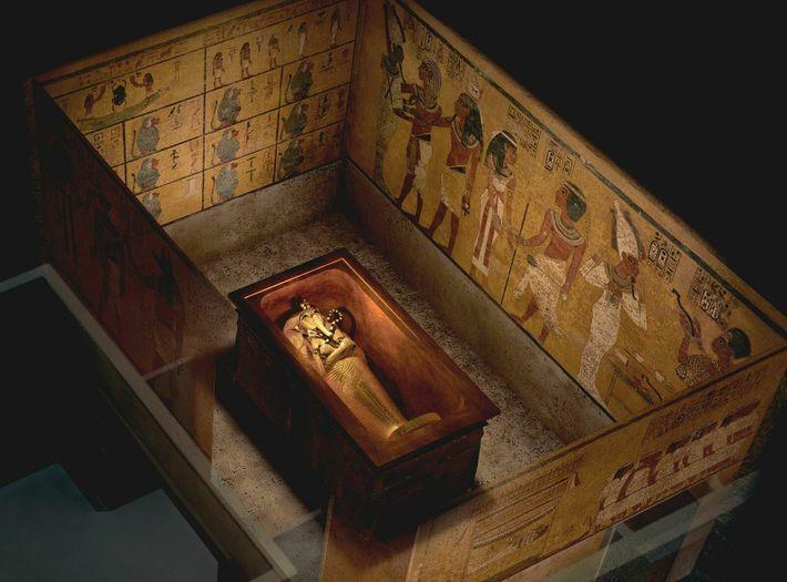 Que contenait la sépulture de Toutânkhamon