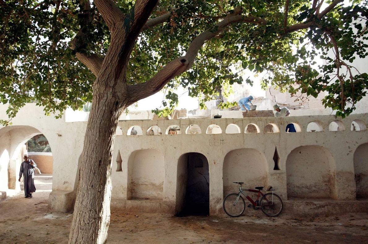 ANCIENNE VILLE DE GHADAMÈS, LIBYE Surnommée la « perle du désert », Ghadamès est l'une des colonies ...