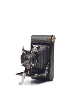 Le robuste appareil photo Vest Pocket Kodak qu'Irvine portait sans doute sur lui en 1924 n'a ...