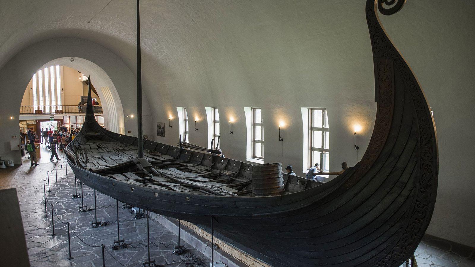 Découvert en 1903, le navire Oseberg est l'un des trois seuls navires viking bien conservés exposés ...