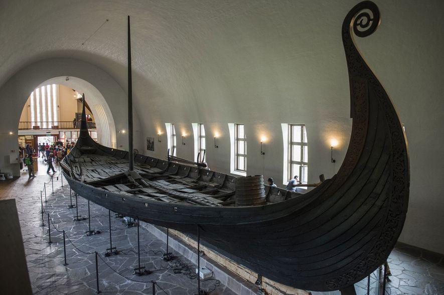 Découverte d'un immense navire viking funéraire en Norvège
