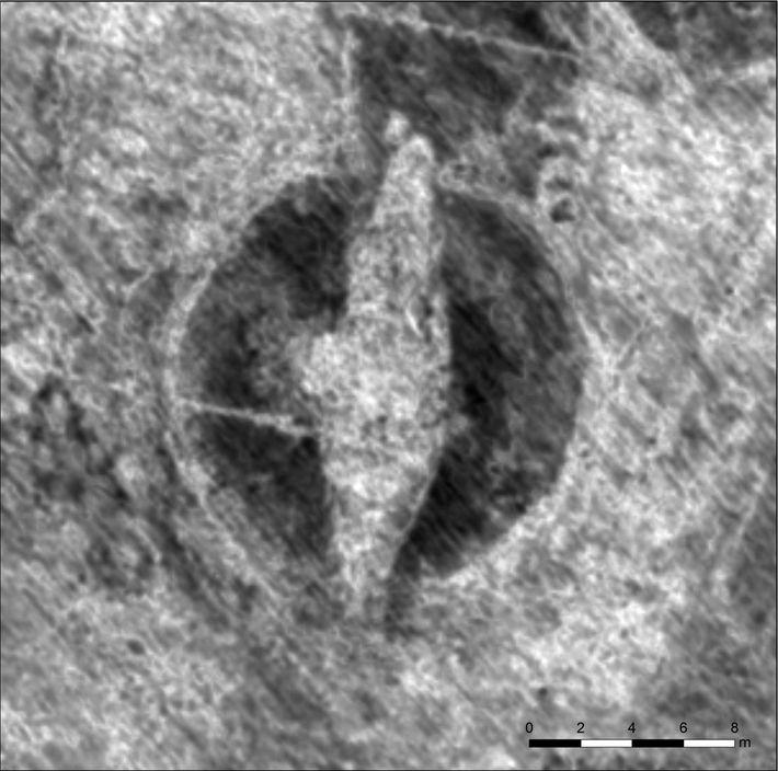 Une image générée par un radar révèle les contours d'un navire viking enseveli.