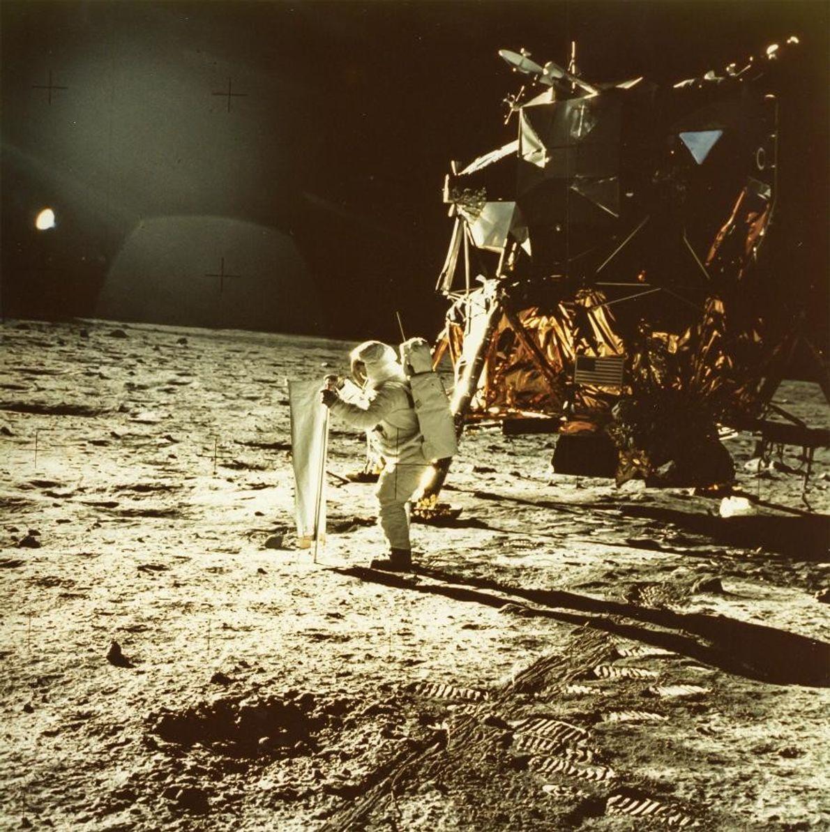 L'astronaute Neil Armstrong a pris cette photo de Buzz Aldrin au cours de la mission Apollo ...