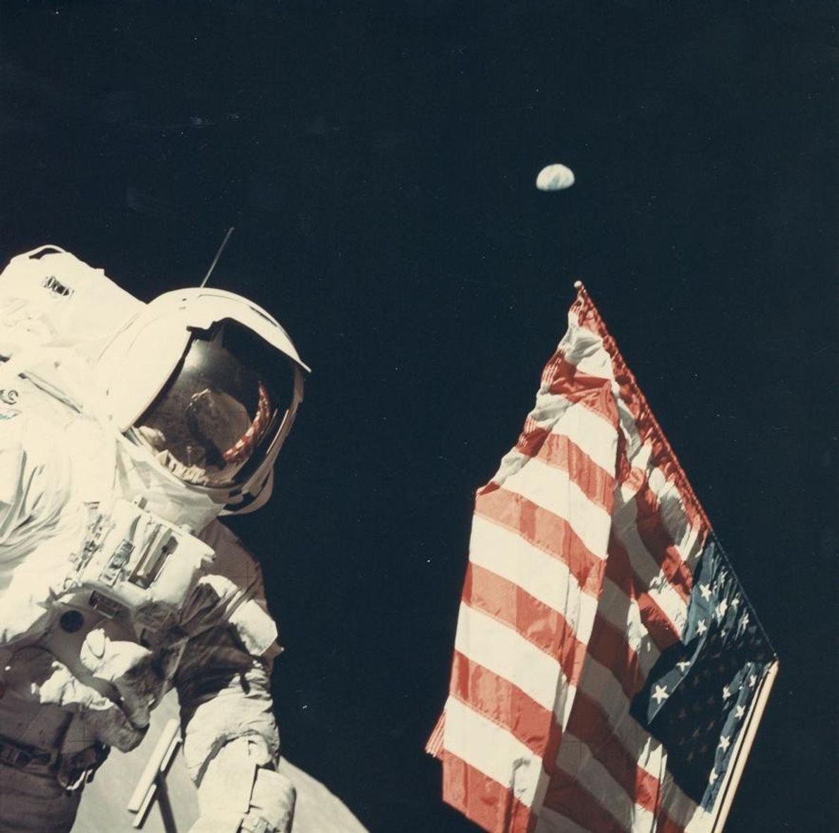 « Sur cette photo, j'ai capturé à la fois la Terre, la Lune, l'homme et le ...