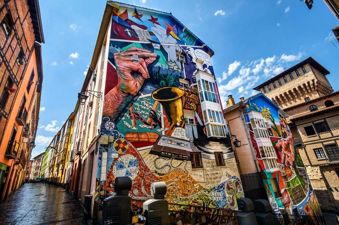 Vitoria-Gasteiz, Espagne. Rue Zapateria, dans le centre historique, une peinture murale rappelle le goût de la ville ...