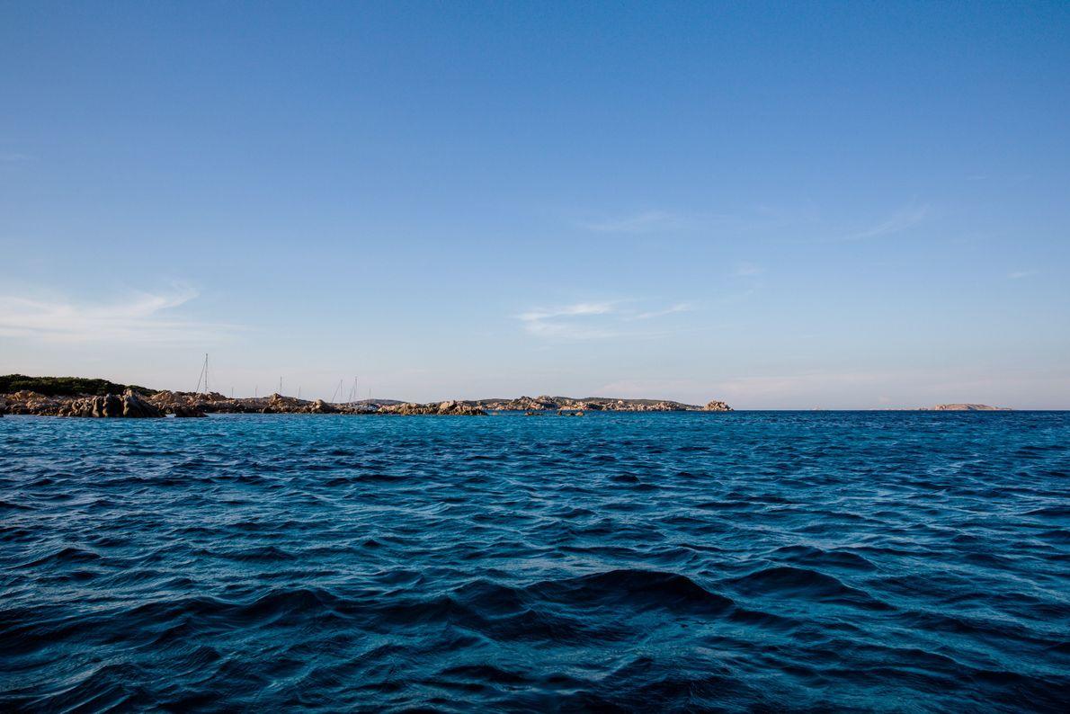 Pendant l'hiver, Morandi aime regarder le spectacle des vagues formées par les vents forts.