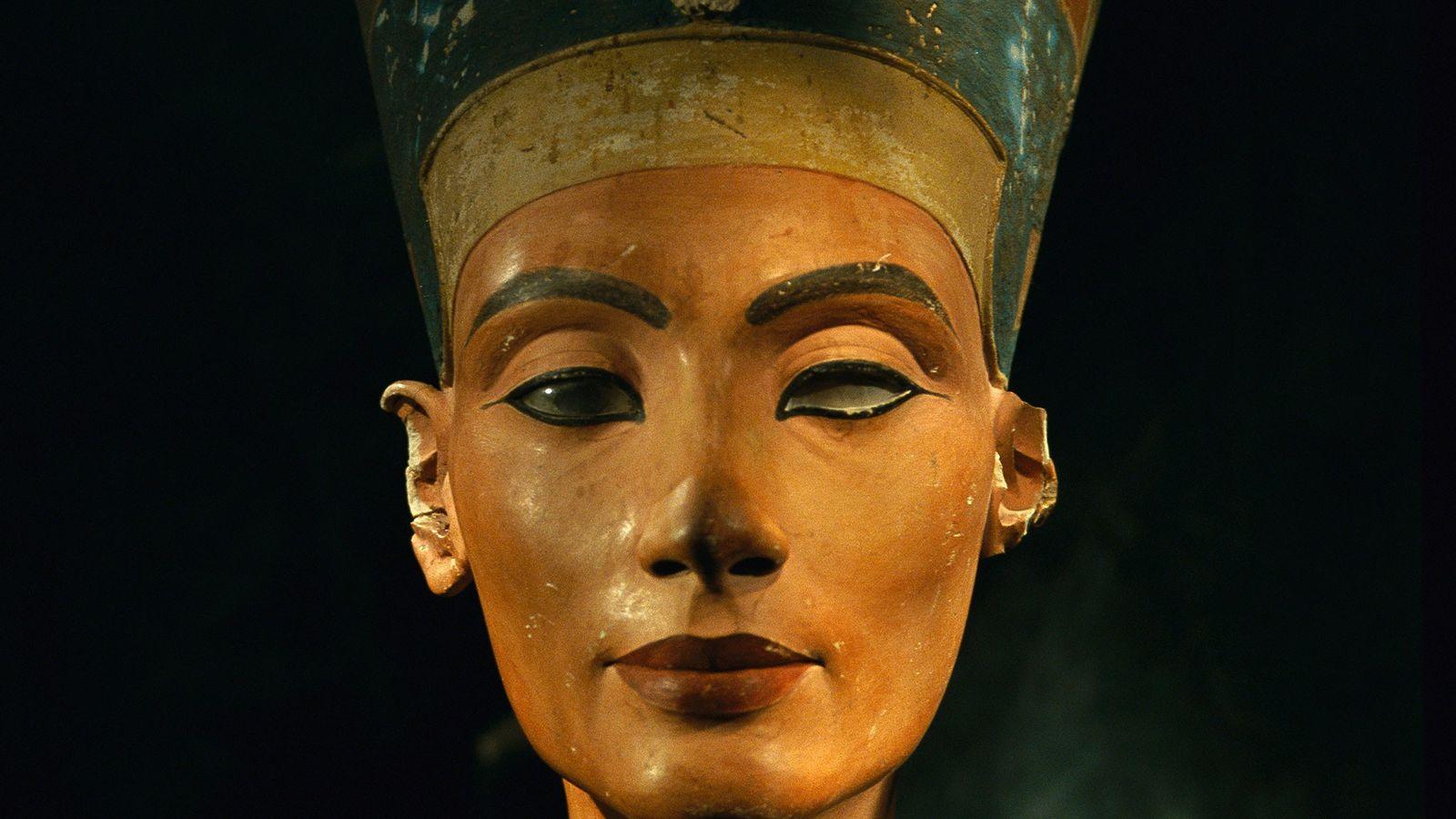 Buste de la reine égyptienne Néfertiti.