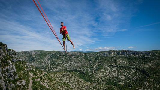 Trois Français battent le record du monde de highline