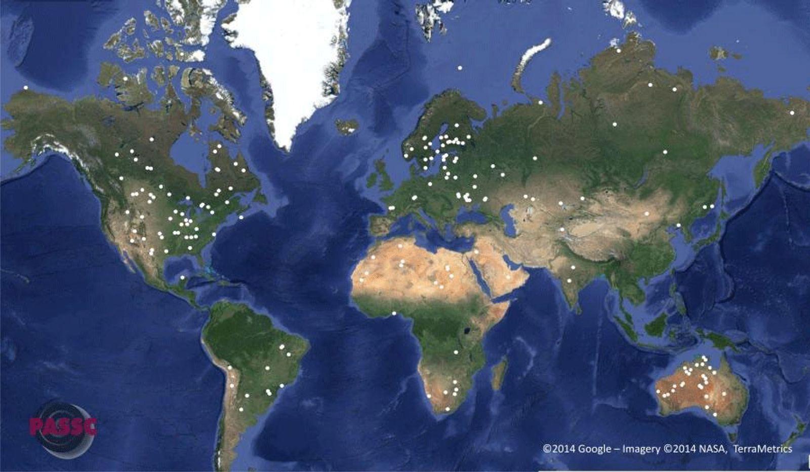 Carte de répartition mondiale des 190 cratères d'impact référencés. Il manque le cratère géant des Malouines, ...