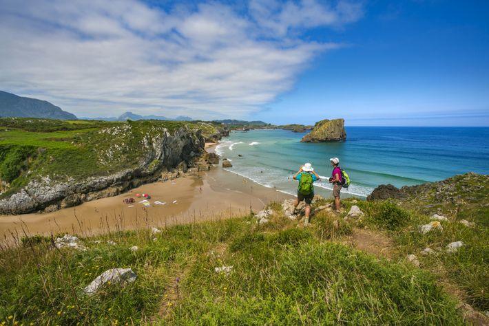 Les Asturies possèdent le littoral sauvage le mieux préservé d'Espagne, offrant des points de vue spectaculaires ...