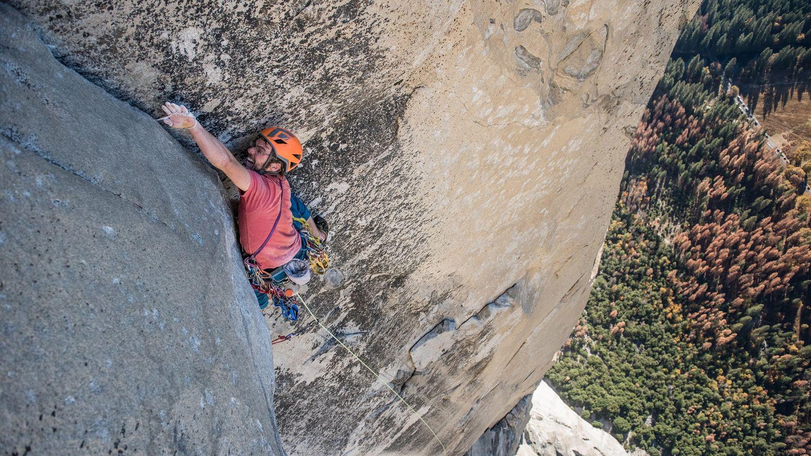 Jim Reynolds gravit la voie d'escalade The Nose à El Capitan, dans le parc national américain ...