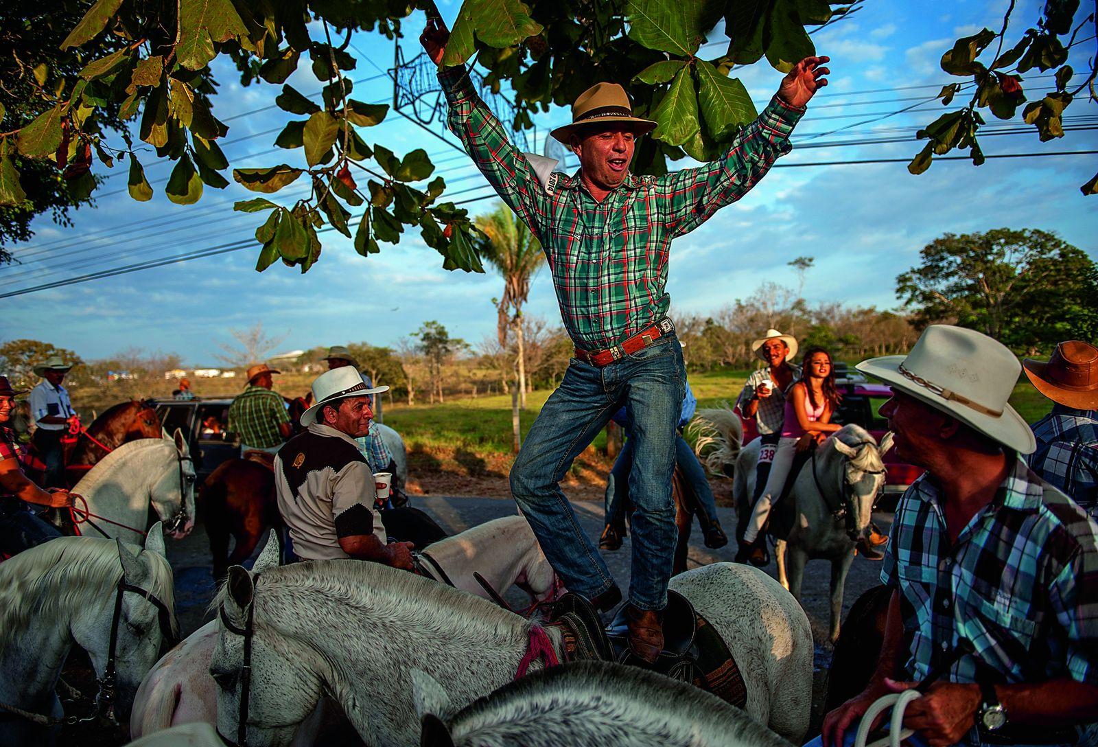 Tous les ans, à la mi-février, le district de Cóbano célèbre les sabaneros, les cow-boys du ...
