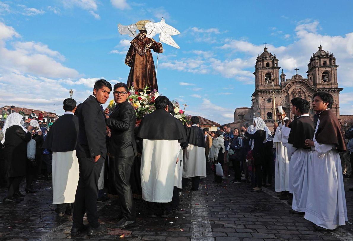 Ancienne capitale de l'Empire Inca, la ville cosmopolite de Cuzco est aujourd'hui aussi célèbre pour ses ...