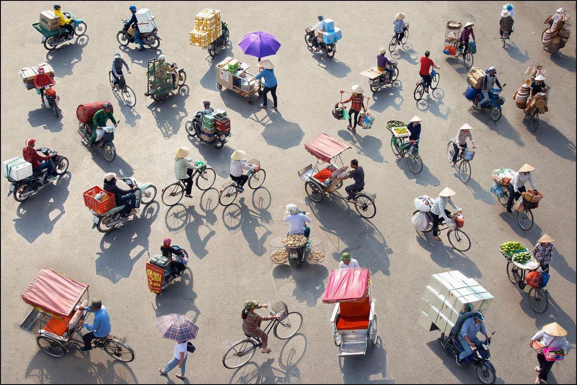 La ville d'Hanoï ne serait plus la même sans ces vendeurs ambulants et leurs vélos chargés ...