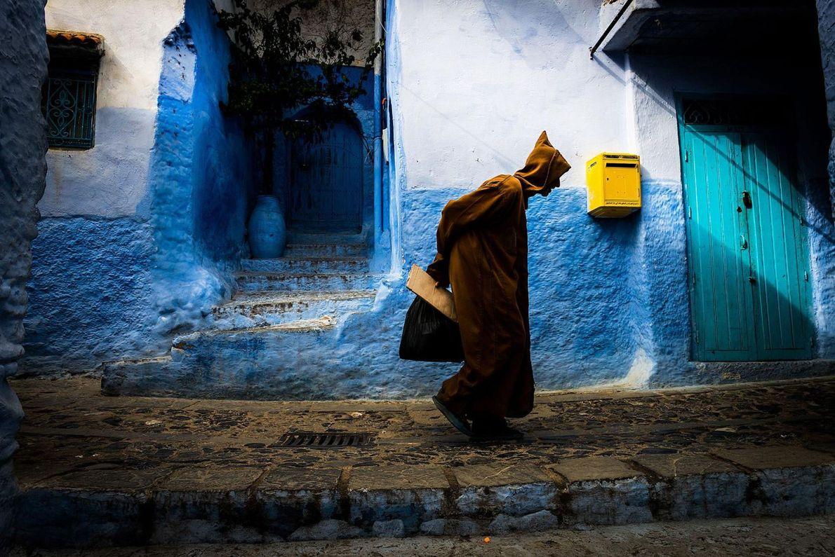 Il n'est pas rare de voir des photographies de touristes appuyés contre les murs bleus des ...