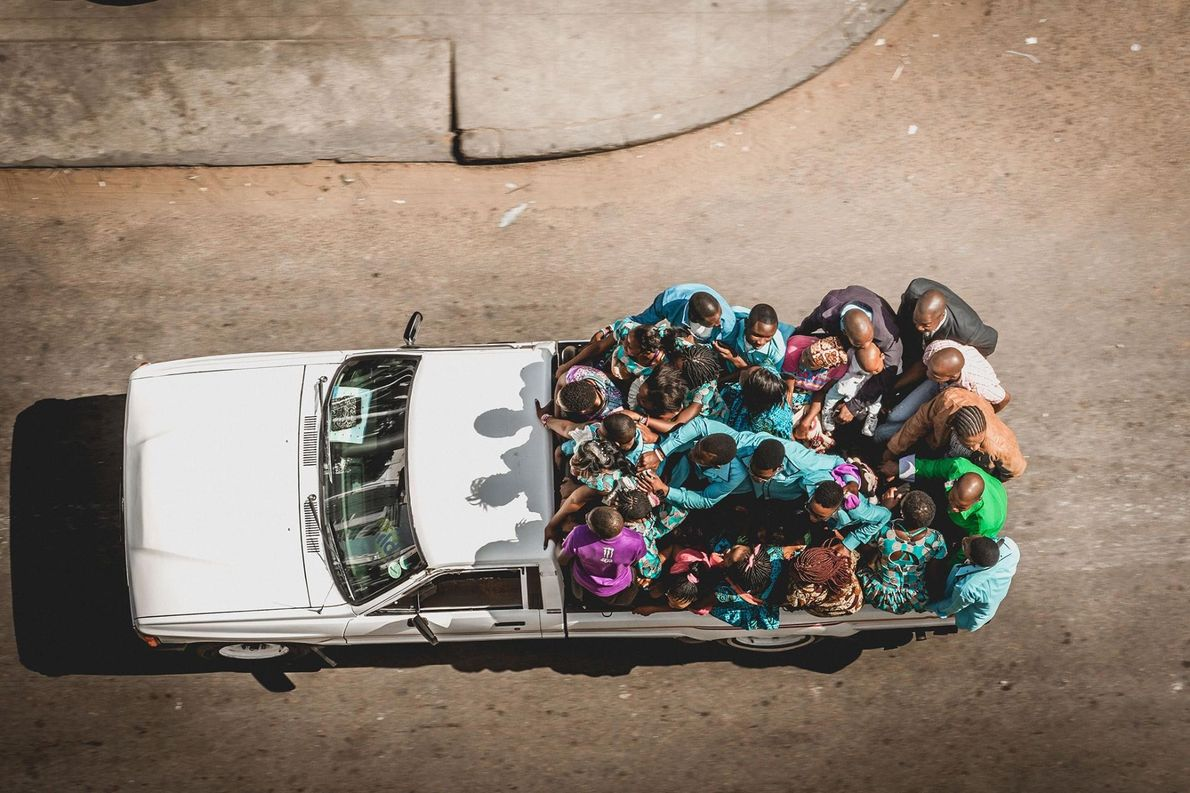 Au Mozambique, lors des mariages, « les familles du marié et de la mariée portent des ...