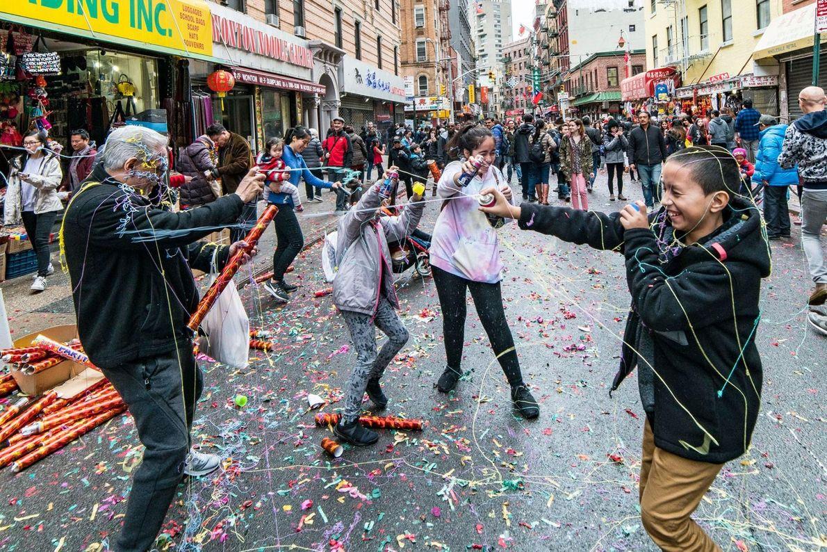 Le Chinatown du Lower Manhattan est le plus grand des États-Unis. Le quartier est en effervescence ...