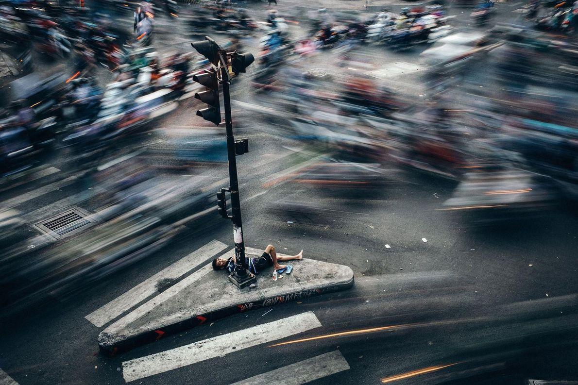 Au Viêt Nam, le rythme effréné de la vie à Hô-Chi-Minh-Ville n'est pas propice au repos. ...